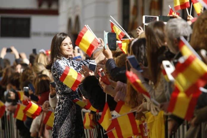 Letizia: recupera el vestido de Victoria Beckham que se agotó en horas 5