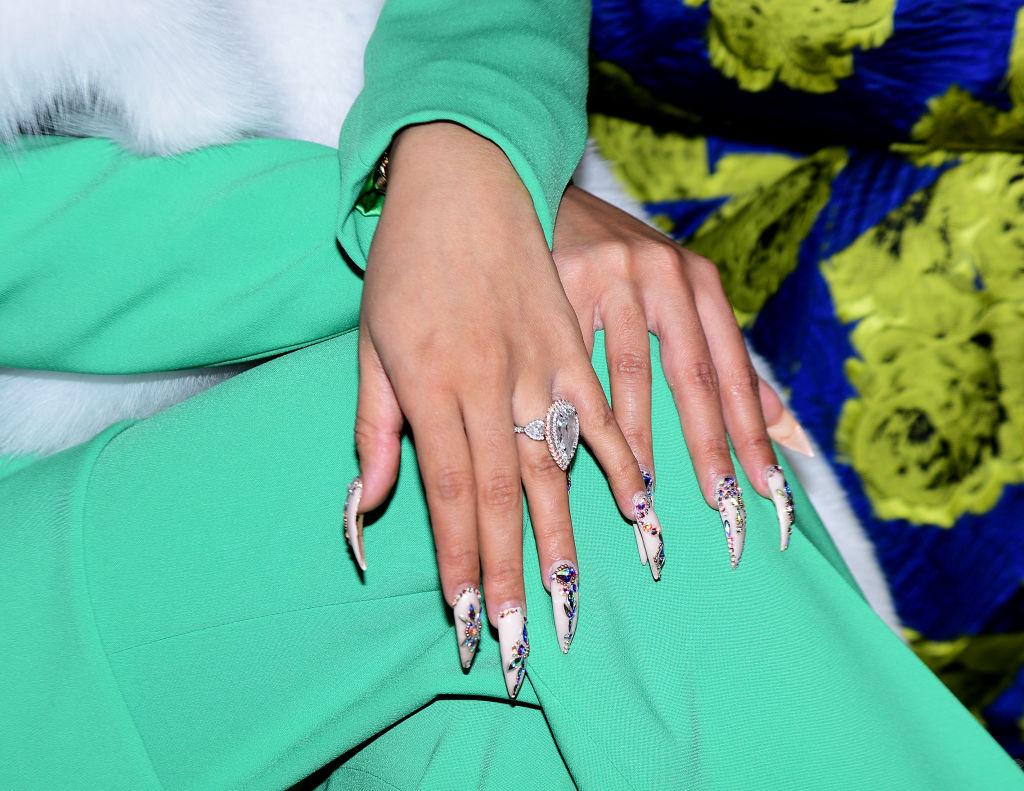 Jenny Bui, la creadora de las ostentosas joyas de uñas de Cardi B 1
