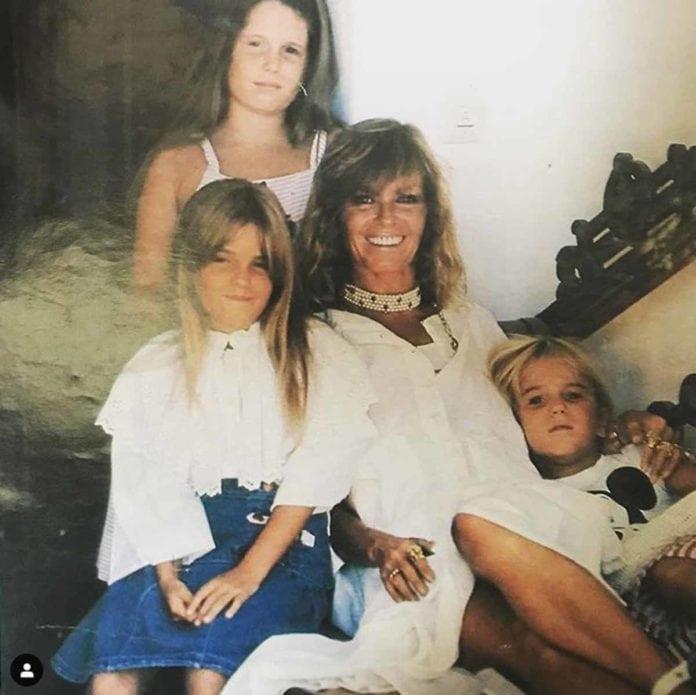 Cristina de Borbón: las lágrimas de Ágatha Ruiz de la Prada en su funeral 10