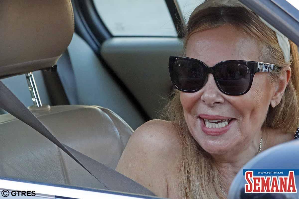 Ana Obregón: sonriendo después del regreso de su hijo Álex en el hospital 2