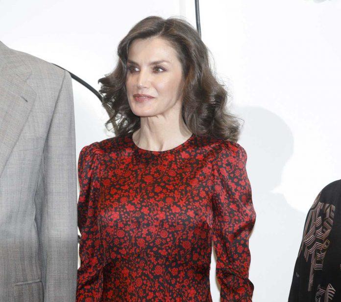 La reina Letizia regresa a ARCO como Gilda y con un estreno francés a la venta 6