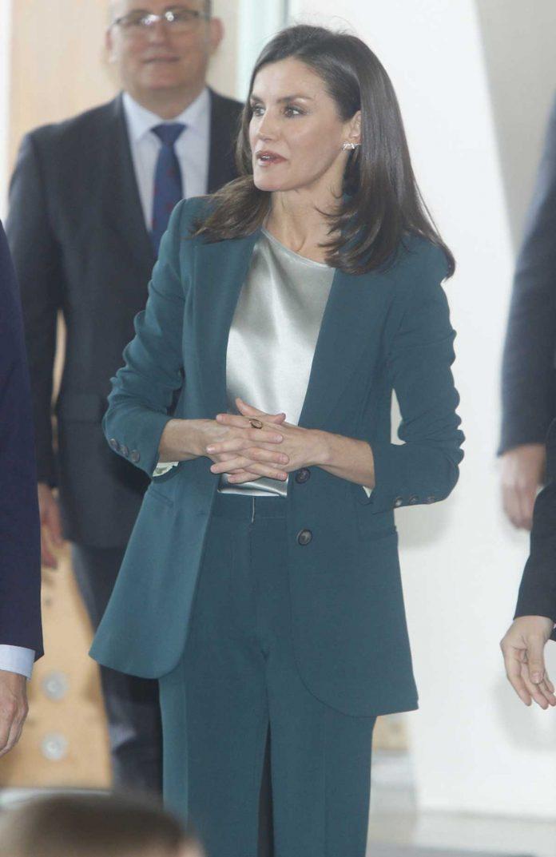 La reina Letizia se pone verde en su primer acto con Pablo Iglesias 6