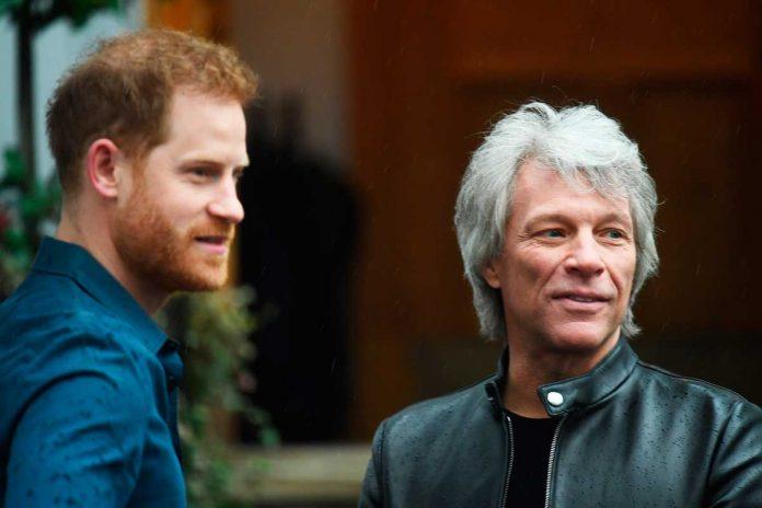 El príncipe Harry se suelta y canta un dúo con el rockero Jon Bon Jovi 6