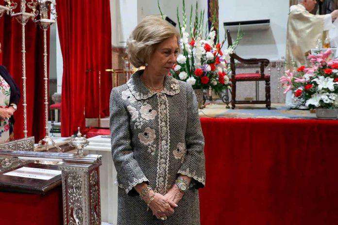 Reina Sofía: enfrenta el coronavirus ante el Cristo de Medinaceli 6