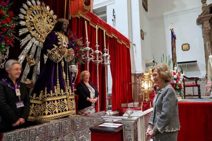 Reina Sofía: enfrenta el coronavirus ante el Cristo de Medinaceli 4