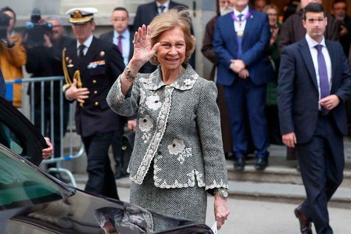Reina Sofía: enfrenta el coronavirus ante el Cristo de Medinaceli 10