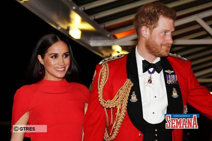 Una espectacular Meghan Markle eclipsa a su capitán, el príncipe Harry 12