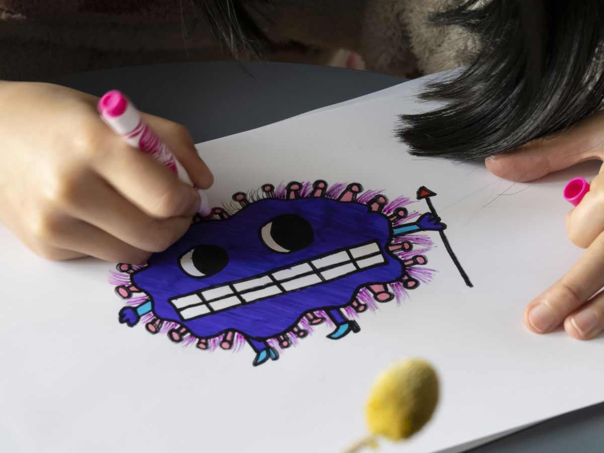 Coronavirus de la pintura los niños