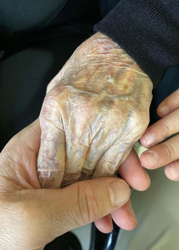 Muere la abuela de Fonsi Nieto 4
