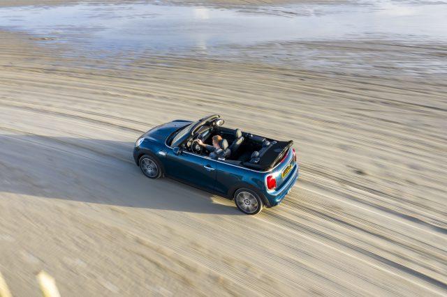 Disfruta conduciendo al aire libre con el nuevo MINI Sidewalk Cabrio - ¡Qué! 2