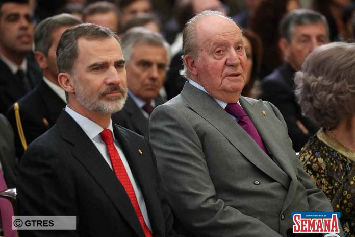 El rey Felipe echa a su padre, el rey Juan Carlos, también desde su oficina 14