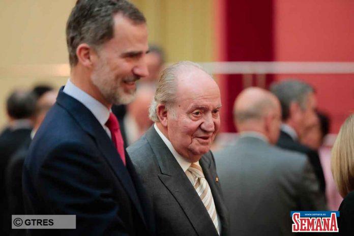 El rey Felipe echa a su padre, el rey Juan Carlos, también desde su oficina 12