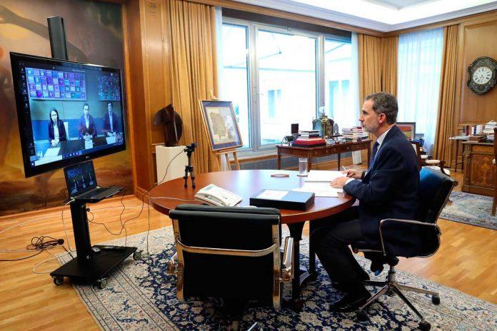 El rey Felipe echa a su padre, el rey Juan Carlos, también desde su oficina 20