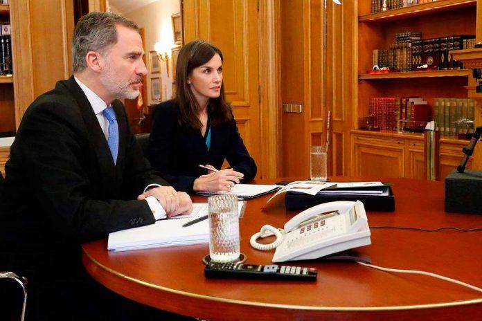 La reina Letizia se preocupa por las mujeres gitanas durante la cuarentena 14