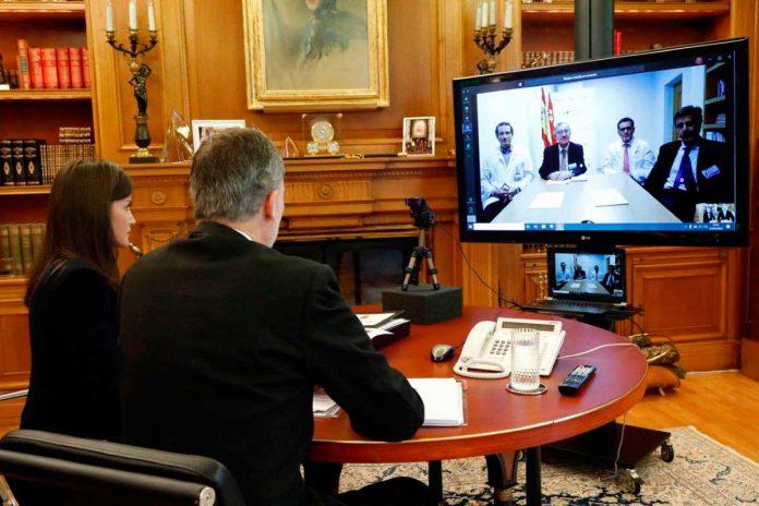 La reina Letizia se preocupa por las mujeres gitanas durante la cuarentena 16