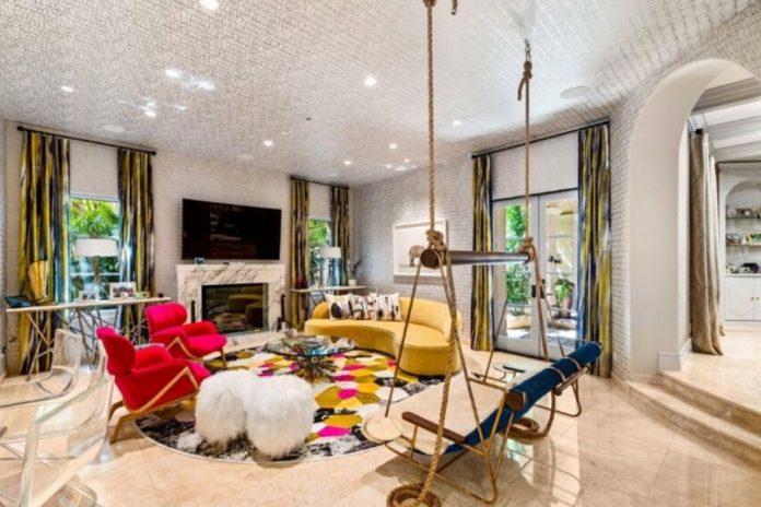 Kaley Cuoco pierde tres millones de euros al vender su mansión de Los Ángeles 4