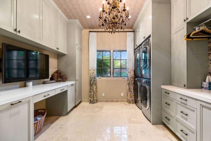Kaley Cuoco pierde tres millones de euros al vender su mansión de Los Ángeles 24
