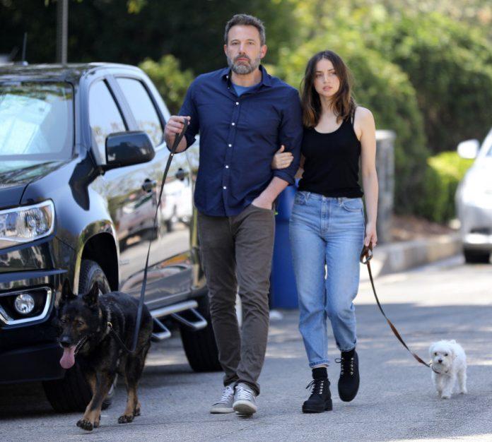 Ben Affleck, enojado después de dejar a su ex, la casa de Jennifer Garner, sin Ana de Armas 22
