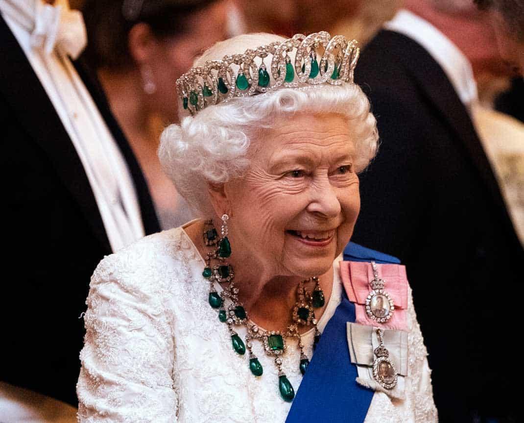 La reina Isabel II cumple 94 años en su 'annus horribilis' 2