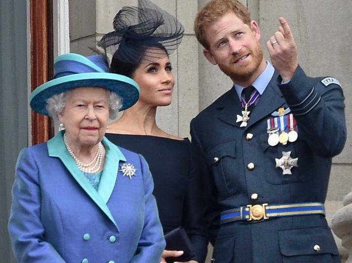 La reina Isabel II cumple 94 años en su 'annus horribilis' 16