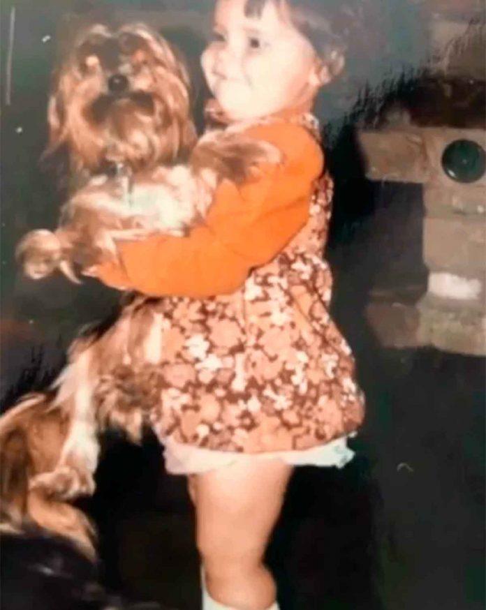 Victoria Beckham desempolva su álbum de fotos para celebrar su cumpleaños 12