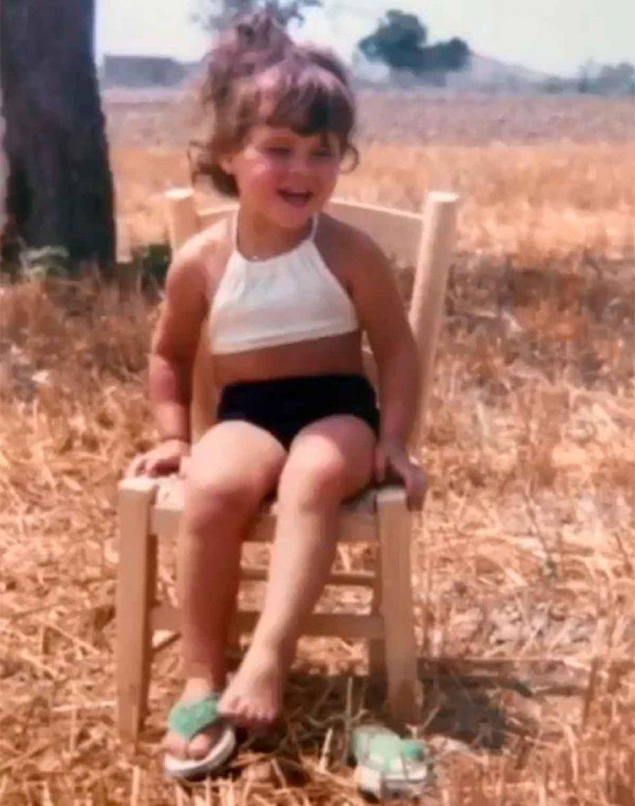 Victoria Beckham desempolva su álbum de fotos para celebrar su cumpleaños 30
