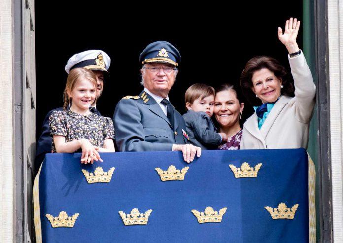 El rey Carlos Gustavo de Suecia cumple 74 años rodeado de su familia (menos uno) 8