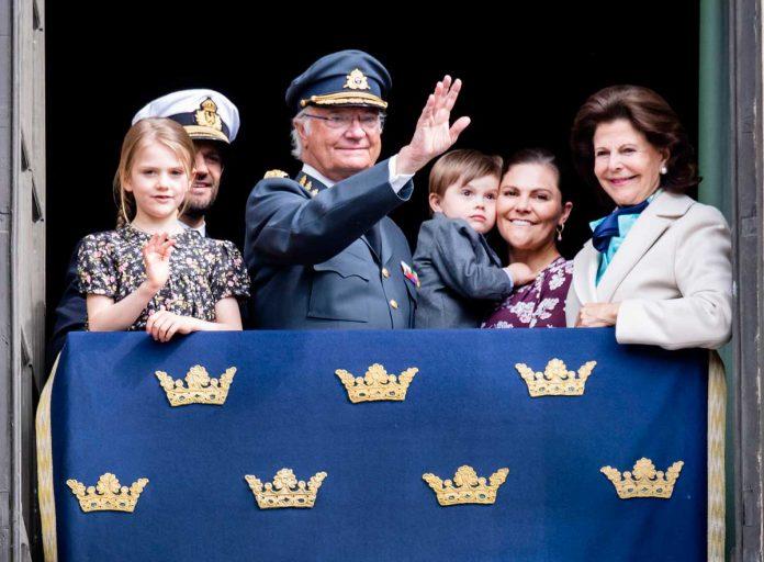 El rey Carlos Gustavo de Suecia cumple 74 años rodeado de su familia (menos uno) 6