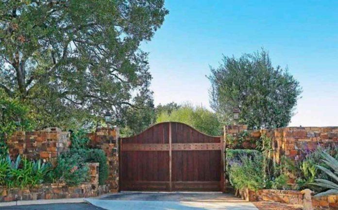Eva Longoria vende la granja que le compró a Tom Cruise perdiendo tres millones de euros 20