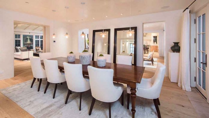 Eva Longoria vende la granja que le compró a Tom Cruise perdiendo tres millones de euros 12