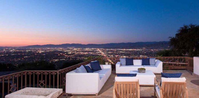Eva Longoria vende la granja que le compró a Tom Cruise perdiendo tres millones de euros 10