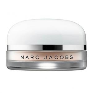 Los mejores 15 polvos fijadores que mantendrán tu maquillaje intacto  4