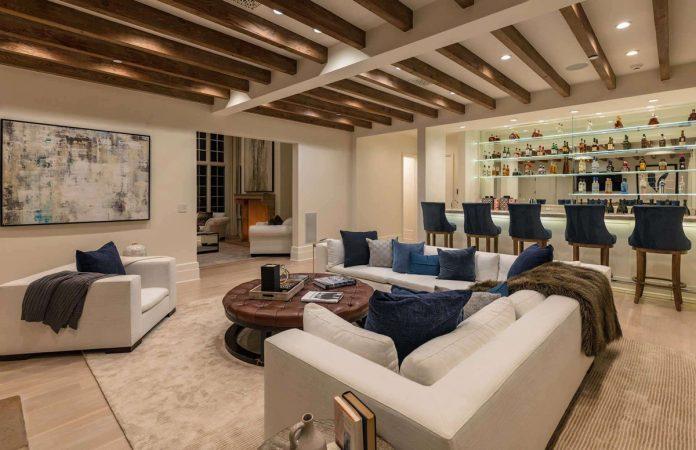 Justin Bieber y su esposa, Hailey Balwin, compran la mansión Madonna en Los Ángeles 28