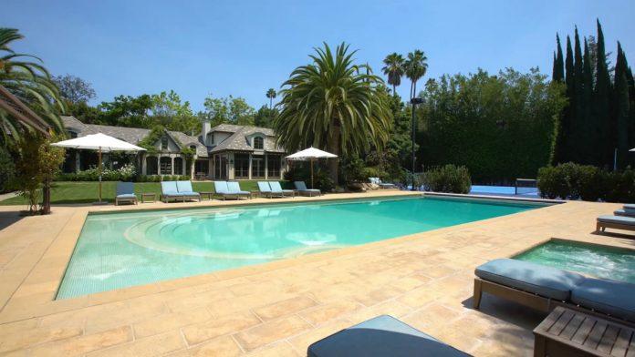 Justin Bieber y su esposa, Hailey Balwin, compran la mansión Madonna en Los Ángeles 8