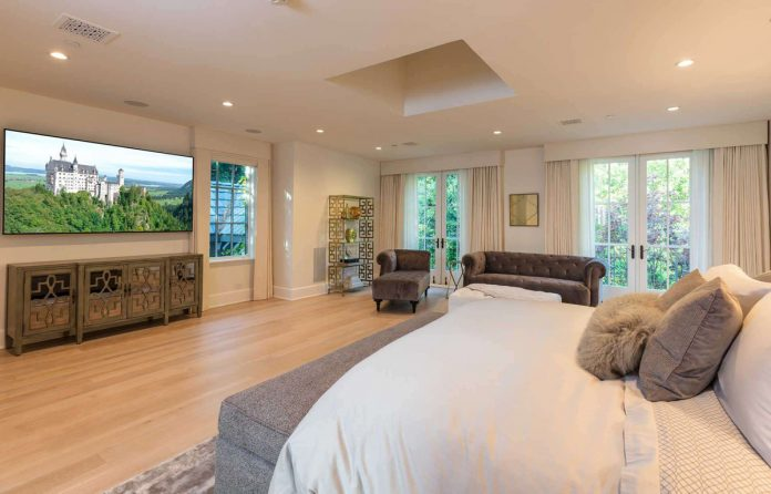 Justin Bieber y su esposa, Hailey Balwin, compran la mansión Madonna en Los Ángeles 42