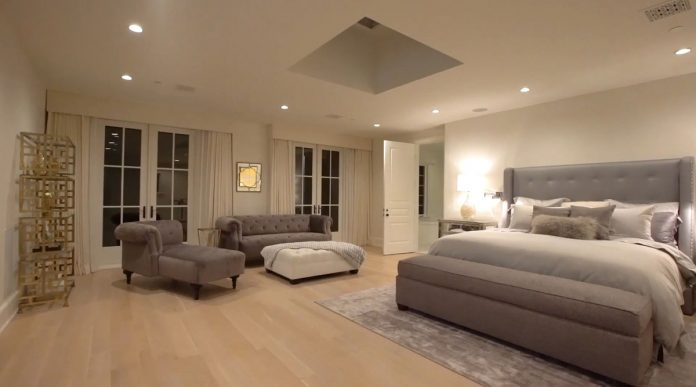Justin Bieber y su esposa, Hailey Balwin, compran la mansión Madonna en Los Ángeles 50