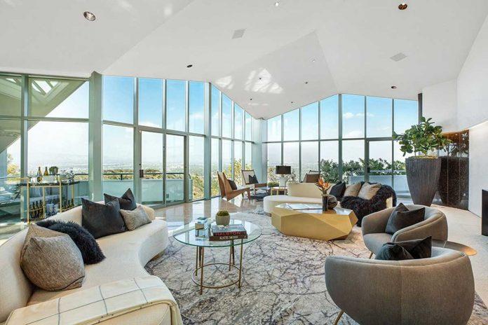 La espectacular mansión que Pharrell Williams pone a la venta en Beverly Hills 34