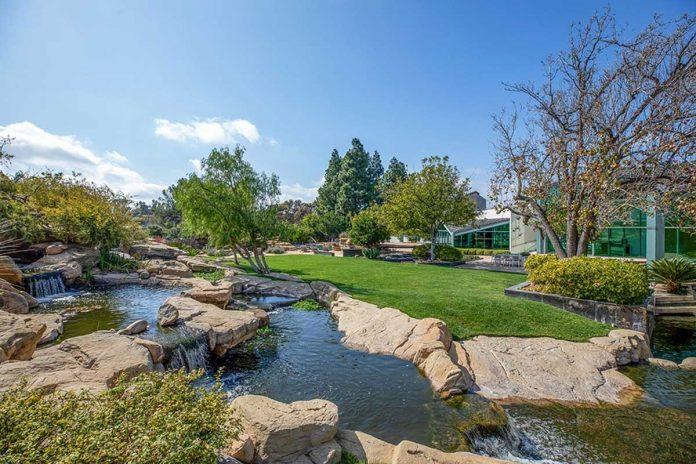 La espectacular mansión que Pharrell Williams pone a la venta en Beverly Hills 38