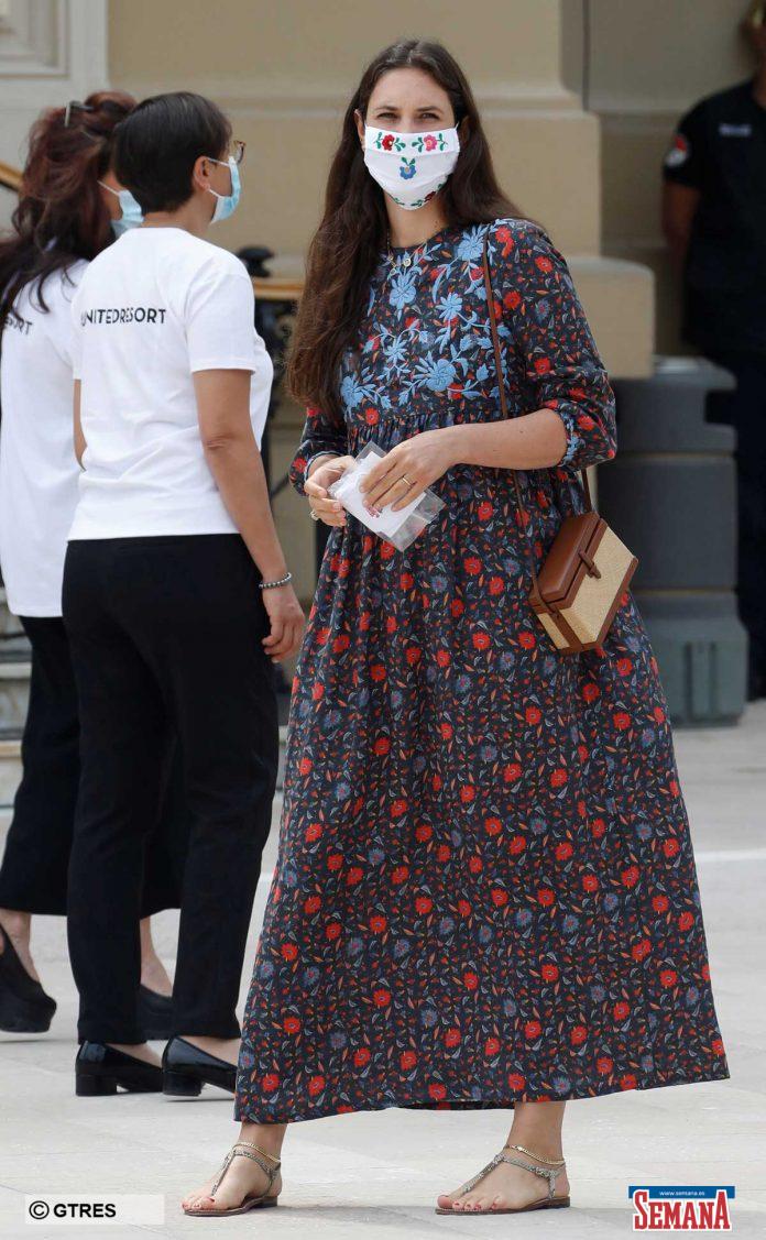 La familia real de Mónaco (con ausencias notables) reaparece altamente protegida en su regreso a la vida pública 14