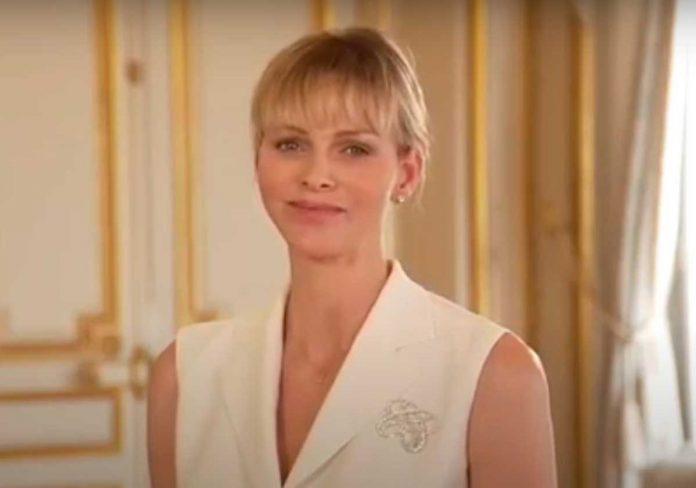 Charlène de Monaco rejuvenece con un truco (barato) después del parto 2