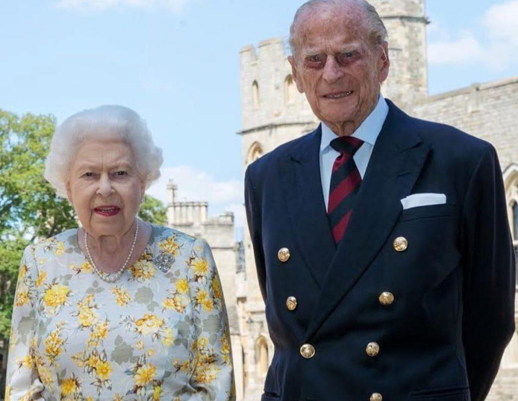 La celebración de cumpleaños más atípica de Isabel II: confinada y sin su familia 6