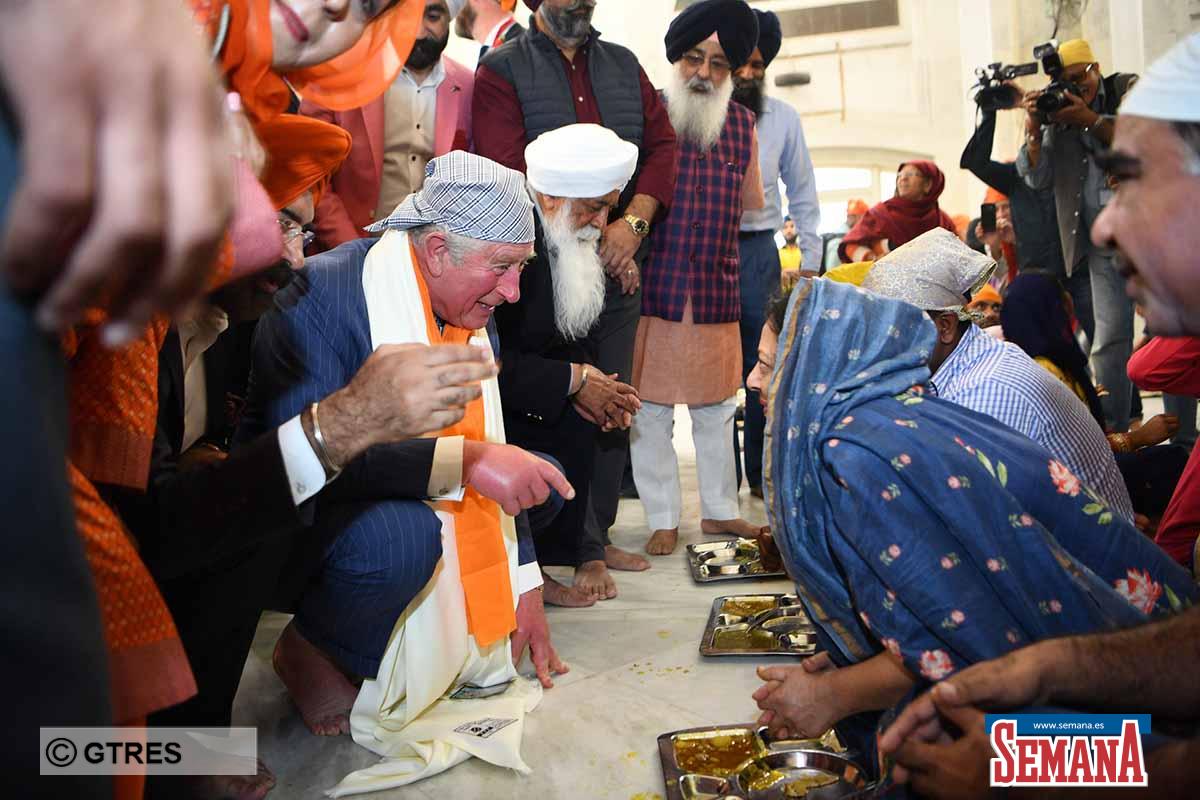 Preocupación (y bromas) sobre las manos hinchadas del príncipe Carlos de Inglaterra 2