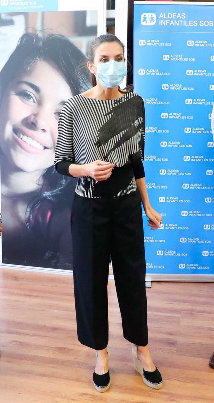 La reina Letizia muestra su imagen más juvenil en sus seis años de reinado. 8