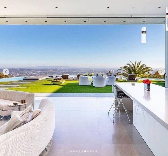 La impresionante mansión que LeBron James ha comprado por 47 millones de euros en Los Ángeles. 8