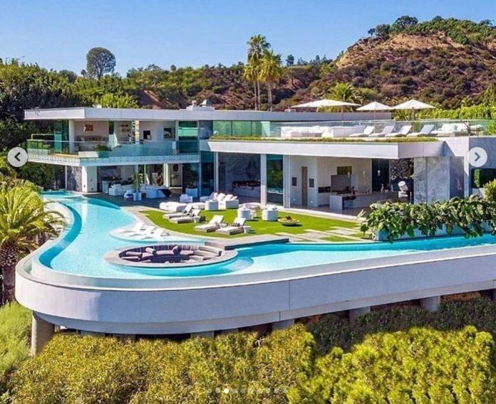 La impresionante mansión que LeBron James ha comprado por 47 millones de euros en Los Ángeles. 16