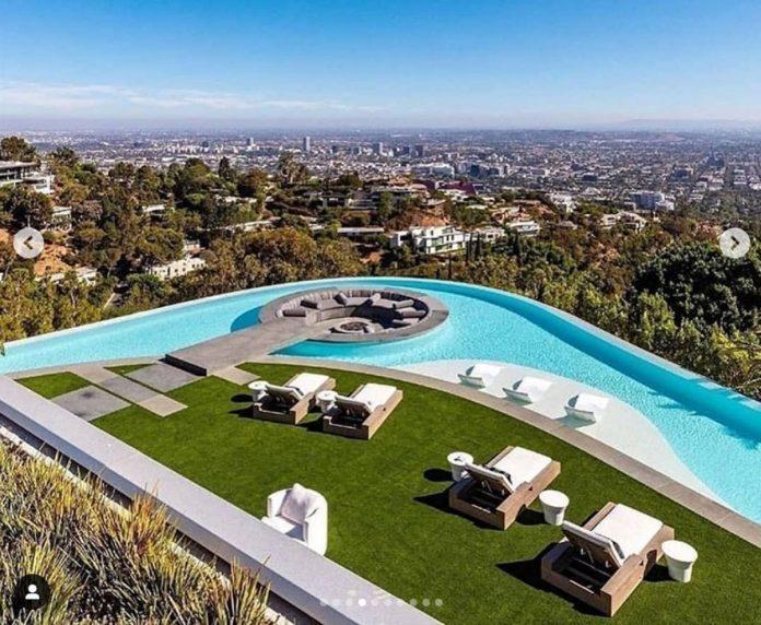 La impresionante mansión que LeBron James ha comprado por 47 millones de euros en Los Ángeles. 12