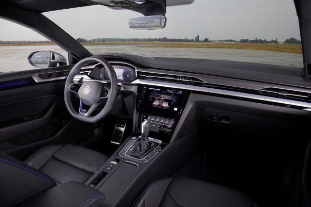 Volkswagen presenta el nuevo Arteon en todo el mundo, también con carrocería Shooting Brake. ¡Qué! 2