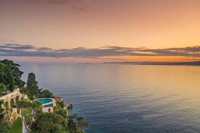 La mansión que Sean Connery vende en Francia por 30 millones de euros. 12