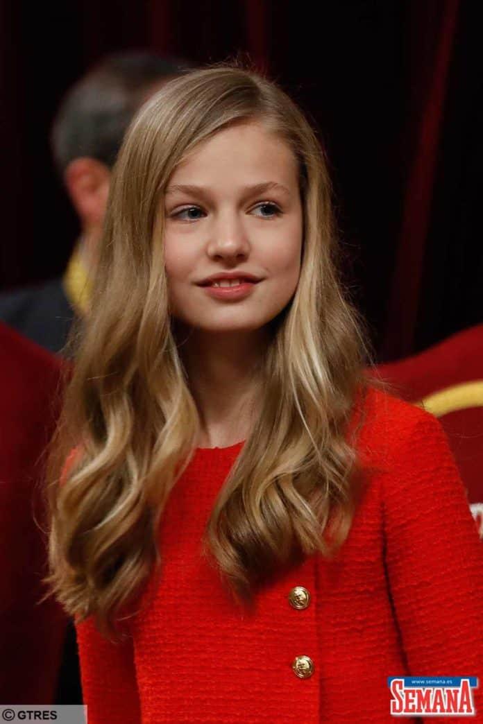 La princesa Leonor, enamorada de un hombre rico de su escuela, según la prensa argentina. 20