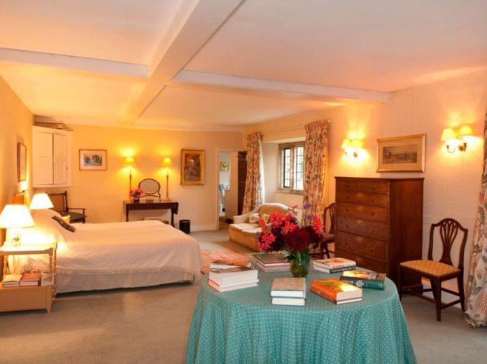 Carlos de Inglaterra y Camilla venden su 'casa embrujada' por 4 millones de euros 18